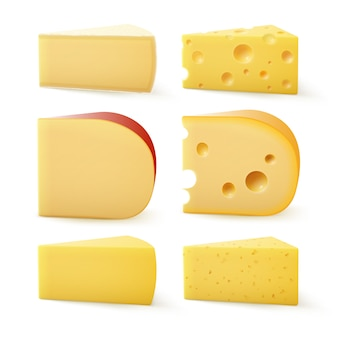 Ensemble de morceaux triangulaires de différents types de fromage