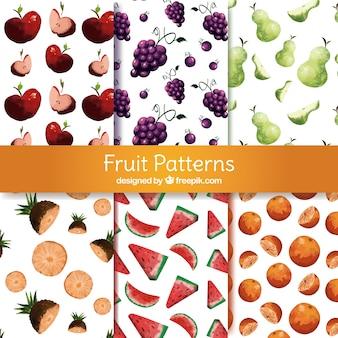 Ensemble de motifs avec une variété de fruits d'aquarelle