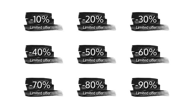 Ensemble de neuf bannières d'offres limitées sur des coups de pinceau noirs avec différents pourcentages de remises de 10 à 90. chiffres blancs sur des coups de pinceau noirs sur fond blanc. illustration vectorielle