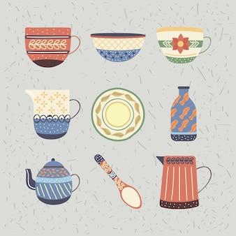 Ensemble de neuf plats en porcelaine de vaisselle