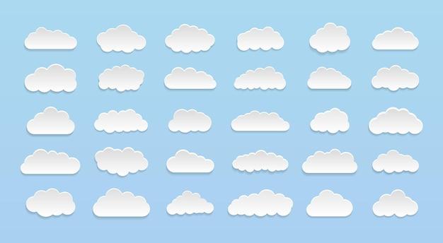 Ensemble de nuages de dessin animé de vecteur sur fond bleu. ensemble de ciel bleu.