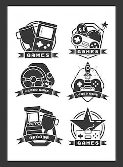 Ensemble d'objets liés aux jeux vidéo dans un style plat