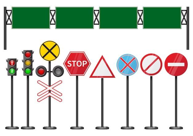 Ensemble de panneaux routiers isolés