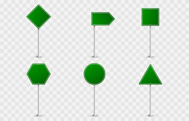 Ensemble de panneaux routiers. panneaux routiers . drapeaux verts, panneaux routiers, panneaux verts.