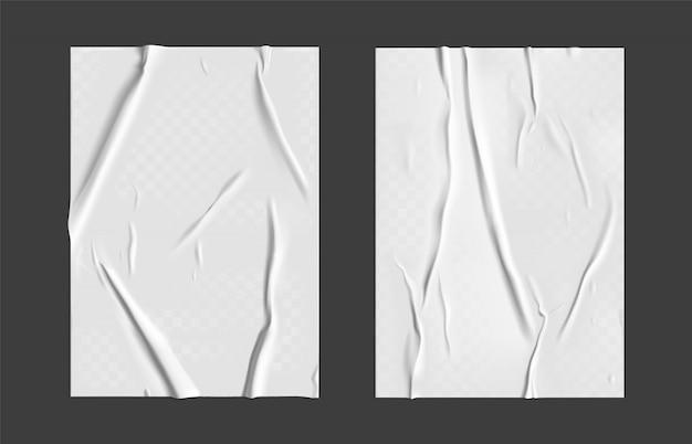 Ensemble de papier collé avec effet plissé transparent humide sur fond gris. modèle d'affiche en papier humide blanc serti de texture froissée. affiches réalistes