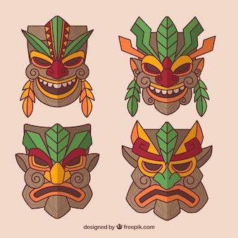 Ensemble plat de masques tribaux colorés
