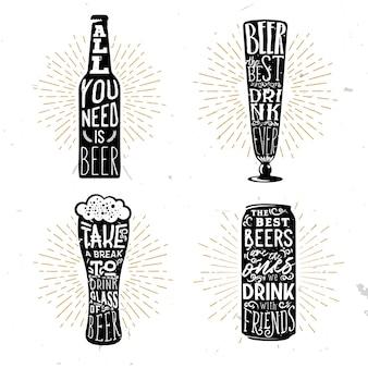 Ensemble de quatre badges typographiques sur le thème de la bière avec des citations