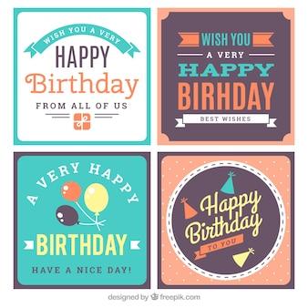 Ensemble de quatre cartes d'anniversaire carrés dans le style vintage