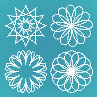 Ensemble de quatre ornements ronds vintage. ensemble d'éléments de conception de spirographe.