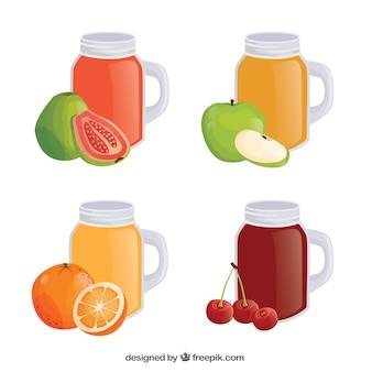 Ensemble de quatre récipients réalistes avec des jus de fruits
