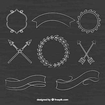 Ensemble de rubans, de cadres et de flèches dans le style tableau noir