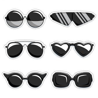 Ensemble de silhouette de lunettes de soleil. étiquettes décoratives de mode. collection d'éléments de conception isolés sur fond blanc.