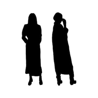 Ensemble de silhouettes noires de filles en trench-coat à imprimer sur des t-shirts, des tasses, des sacs, de la décoration et du design. illustration vectorielle.