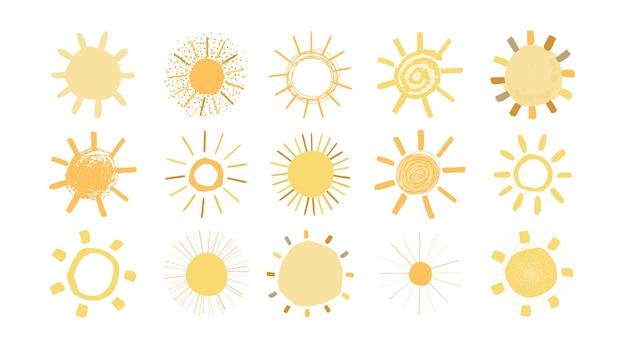 Ensemble de soleils jaunes dans un style dessiné à la main isolé sur fond blanc. illustration simple drôle mignonne pour les enfants. icônes du soleil. vecteur.