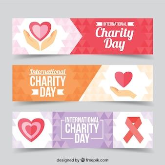 Ensemble de trois bannières avec des coeurs de la journée de charité