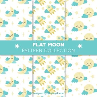 Ensemble de trois motifs de lune avec des nuages bleus