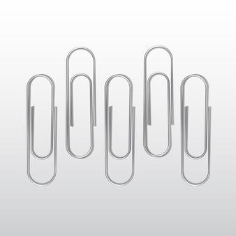 Ensemble de trombones sur fond blanc