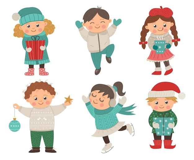Ensemble de vecteur d'enfants heureux dans des poses différentes pour la conception de noël. illustration d'enfants hiver mignonne avec des cadeaux, des décorations, des boissons chaudes. garçon drôle sautant de joie