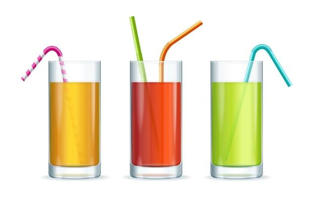 Ensemble de verres à cocktail colorés isolé sur blanc
