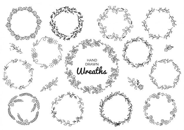 Ensemble vintage de couronnes rustiques dessinés à la main