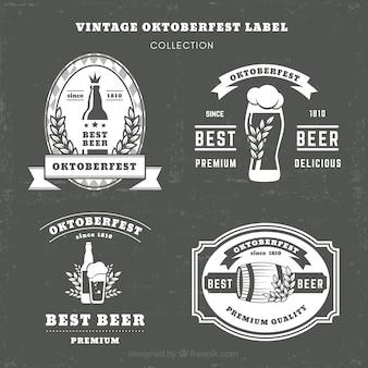 Ensemble vintage d'élégantes étiquettes oktoberfest