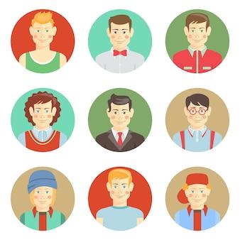 Ensemble de visages d'avatar de garçons dans un style plat avec des coiffures diverses