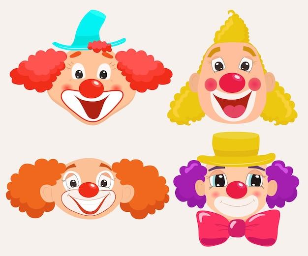 Ensemble de visages de clown de dessin animé.