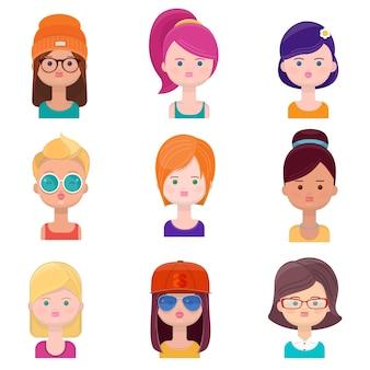 Ensemble de visages de jeunes femmes. illustration de divers avatars de femmes dans un style plat