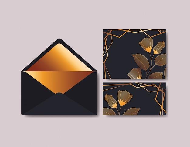 Enveloppe avec invitation et décoration florale