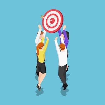 Équipe d'affaires isométrique 3d plate tenant une cible avec une flèche au centre. objectif commercial et concept de travail d'équipe.