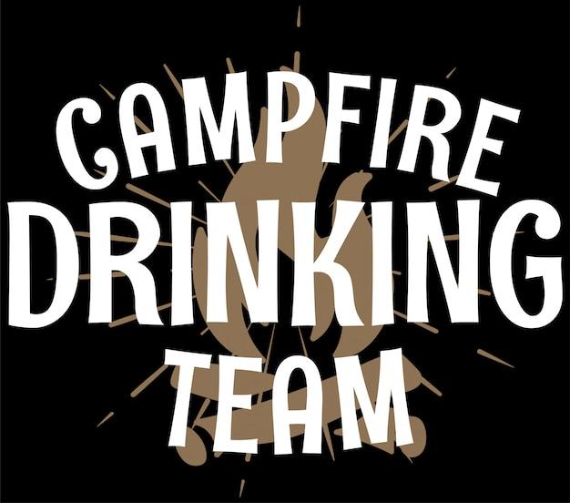 Équipe de boire du feu de camp