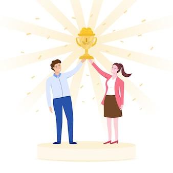 Équipe célébrant le concept de réussite, hommes et femmes tenant une coupe en or ensemble.
