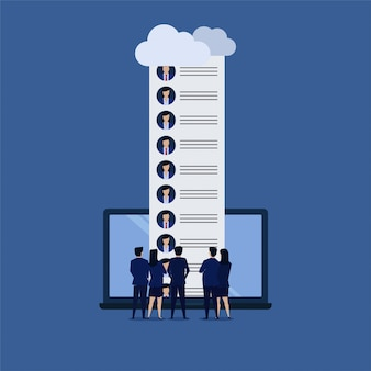 Équipe d'homme d'affaires voir candidat en ligne.