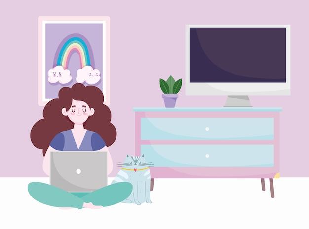 Espace de travail de bureau à domicile, femme paresseuse assise sur le sol et travaillant avec un ordinateur portable.