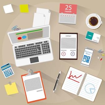 Espace de travail avec plusieurs fournitures de bureau