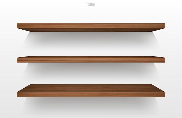 Étagère en bois vide sur fond blanc avec une ombre douce