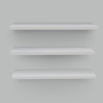 Étagères blanches sur fond blanc