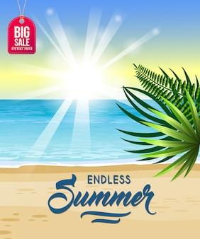 Été sans fin, affiche de grande vente avec la mer, la plage tropicale, le lever du soleil et les feuilles de palmier.