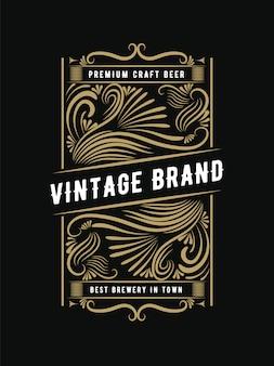 Étiquette de cadre de bouteille rétro vintage royal de style occidental dessiné à la main adapté à la bière artisanale vin whisky boissons boissons alcools bar restaurant