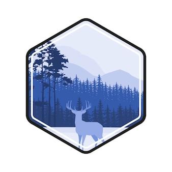 Étiquette de cerf de forêt d'hiver. paysage de pins, montagnes couvertes de neige. le concept pour le logo, les cartes postales, les sites web.