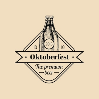Étiquette oktoberfest. signe du festival de la bière avec bouteille esquissée à la main. insigne de brasserie vintage. symbole de wiesn.