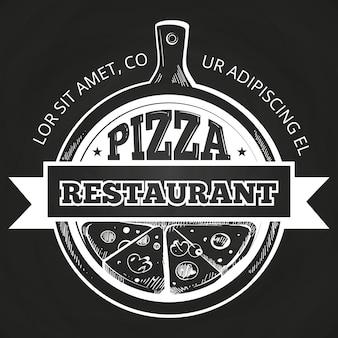 Étiquette de pizzeria dessinés à la main sur tableau noir