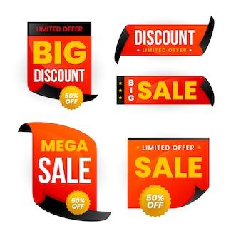 Étiquette de vente réaliste dans une collection dorée et rouge