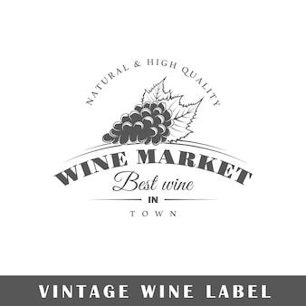 Étiquette de vin isolé sur fond blanc