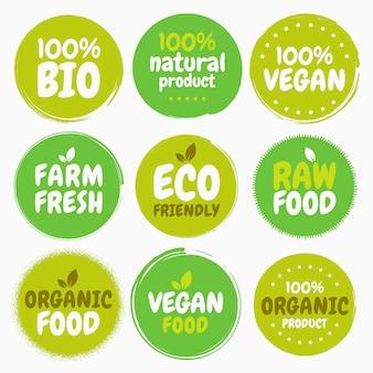 Étiquettes d'aliments végétaliens biologiques frais et sains