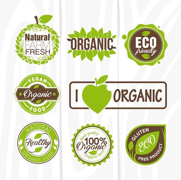 Étiquettes et badges d'aliments biologiques.