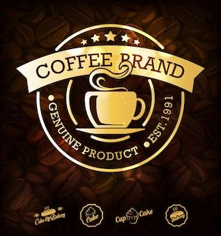 Étiquettes de café doré et fond de café