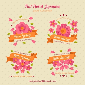 Étiquettes floraux avec des rubans en design plat