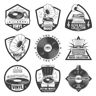 Étiquettes de gramophone monochromes vintage sertie d'inscriptions disques vinyle de platine phonographe notes de musique de microphone isolés