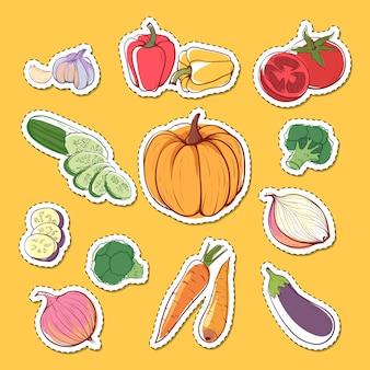Étiquettes isolées de légumes biologiques frais